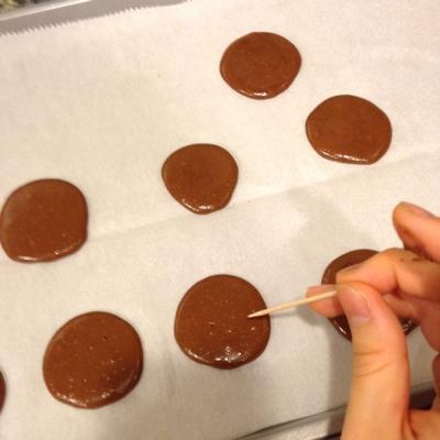chocolate-chestnut-cream-macarons-08