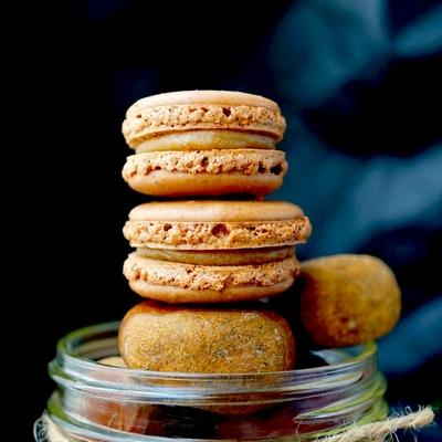 chocolate-chestnut-cream-macarons-13