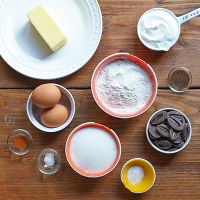 spiced-chocolate-cake-with-cardamom-01