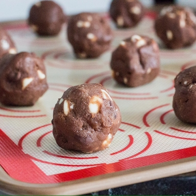 triple-chocolate-peppermint-cookies-06