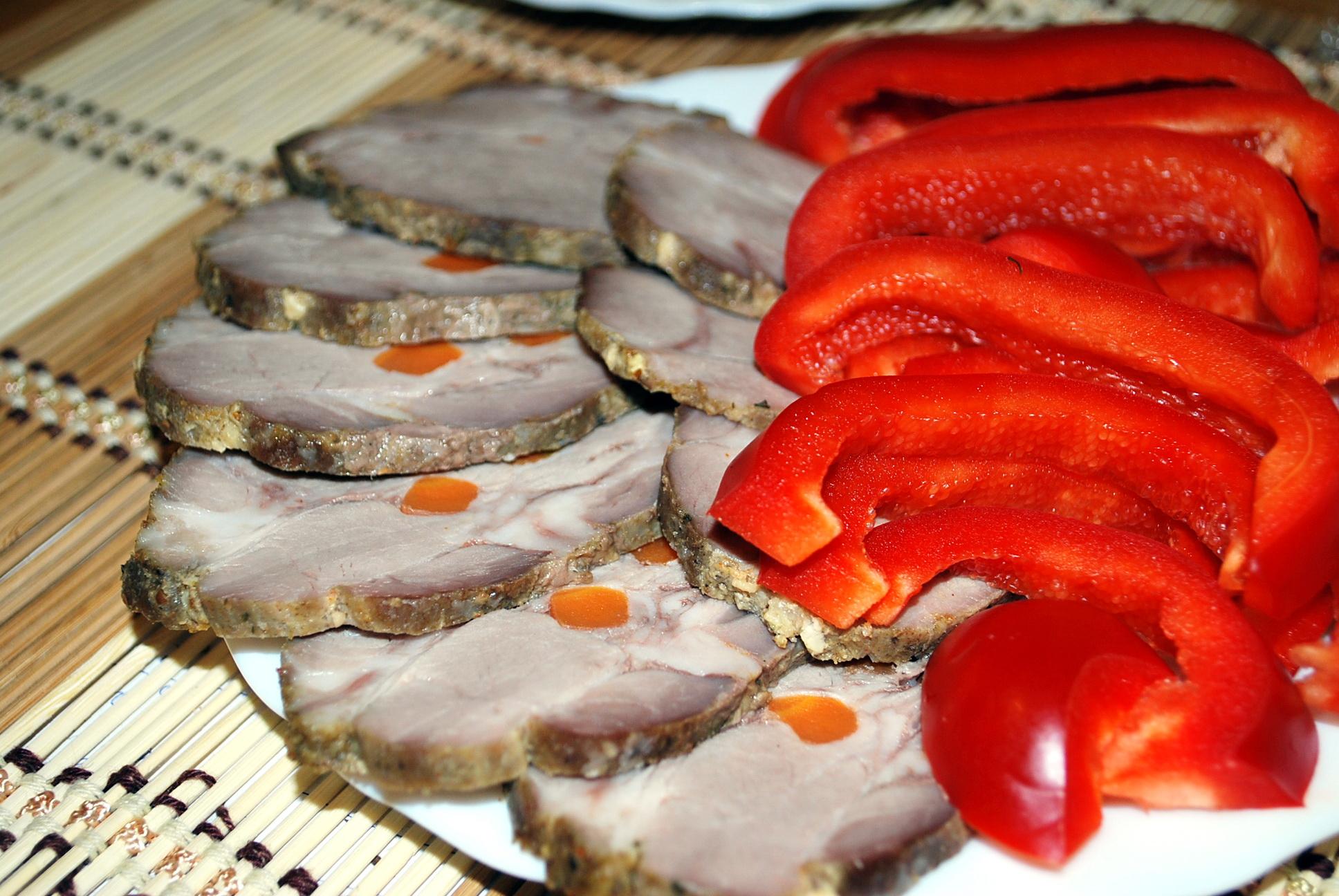 Свинина с грибами и черносливом рецепт